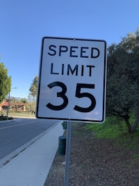 Maximum speed limit sign on residential street in the City of Calabasas